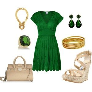 What Shoes and Accessories to Wear With Emerald Green Cocktail Dress