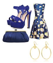 What shoes and jewelry to wear with floral dress
