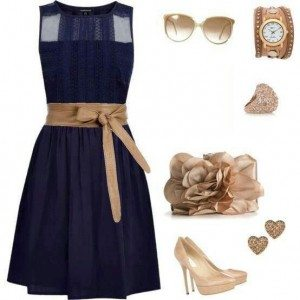 What shoes and jewelry to wear with navy blue dress