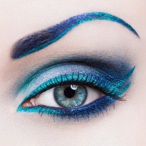 Best eye makeup tutorial for blue eyes